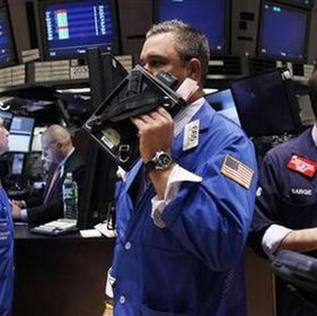Dow Jones tăng điểm bất chấp tin xấu