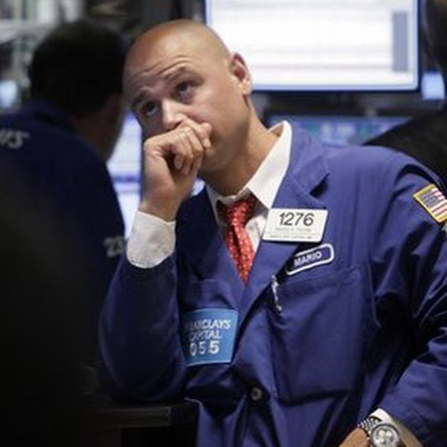 Dow Jones giảm nhẹ