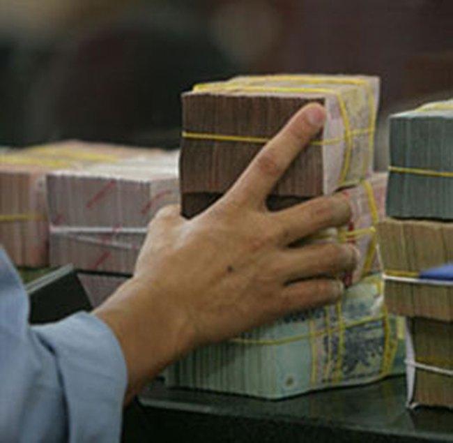'Làn sóng' tăng vốn tại ngân hàng