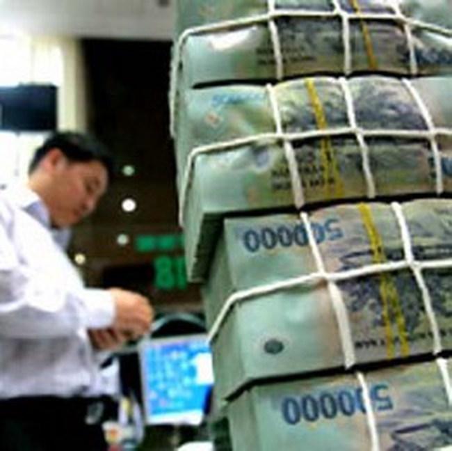 Tiền của ngân hàng đang chảy về đâu?