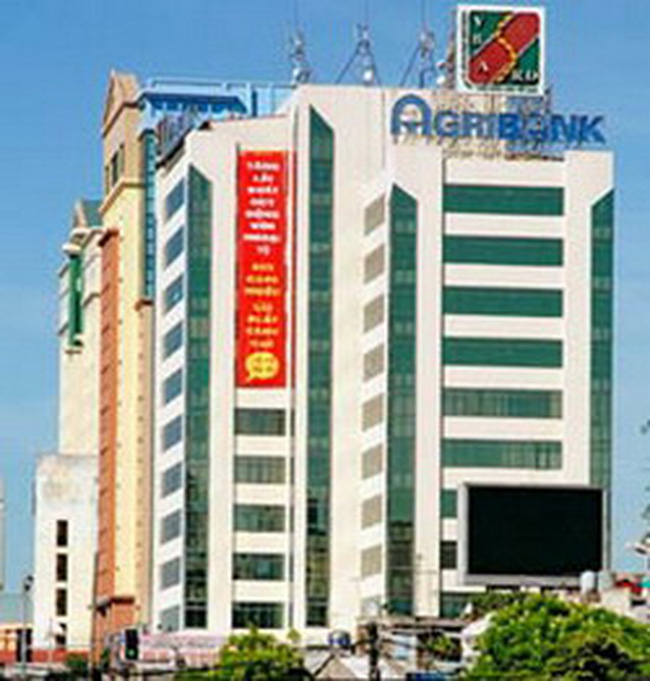 Agribank vượt Vietcombank về thẻ ATM