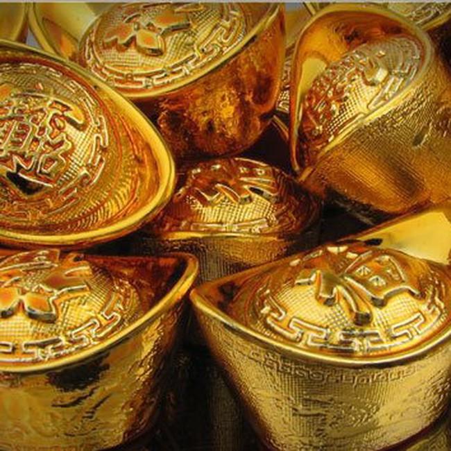 Giá vàng giảm trước làn sóng chốt lời