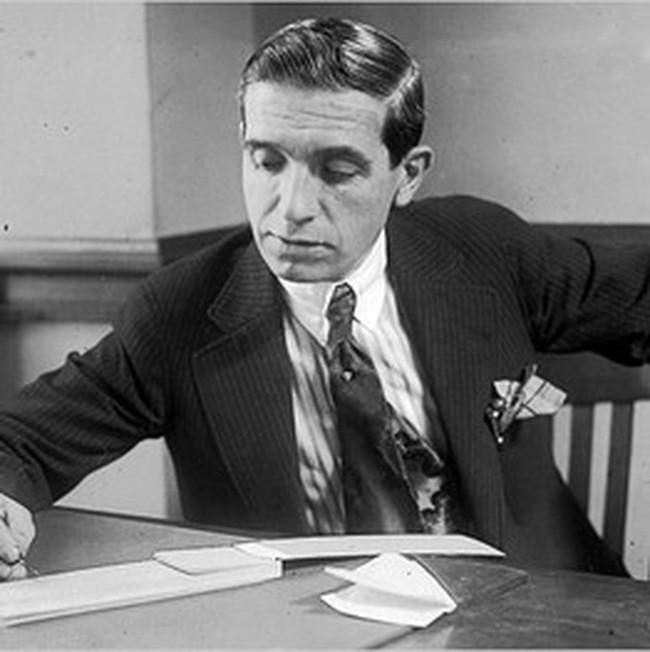 Charles Ponzi: Từ đầu cơ thành lừa đảo