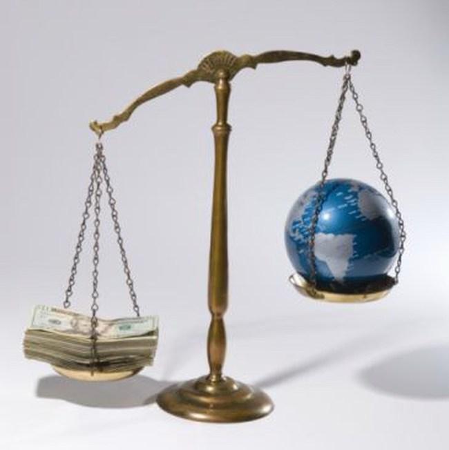 """Quý 2/2010, 1,5 nghìn tỷ USD """"bốc hơi"""" khỏi tài sản của người Mỹ"""