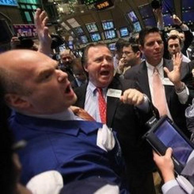 Tăng 145 điểm trong tuần, Dow Jones vượt 10.600 điểm