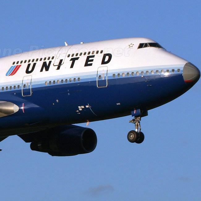 Ra đời hãng hàng không United Airlines lớn nhất thế giới