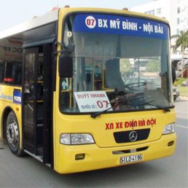 """Hà Nội: Chạy thử nghiệm xe buýt """"khổng lồ"""" tuyến Mỹ Đình-Nội Bài"""