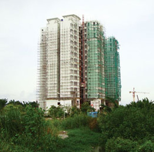 Thị trường căn hộ: Chật vật với cầu giảm cung tăng