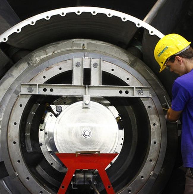 Kinh tế châu Âu đón 2 tin xấu về lĩnh vực dịch vụ và sản xuất
