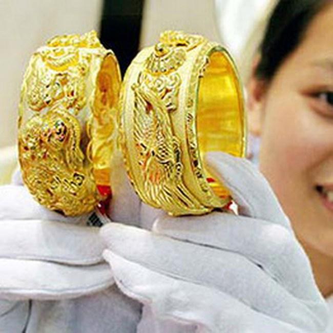 Vàng tăng nhẹ, lên 30,35 triệu đồng/lượng