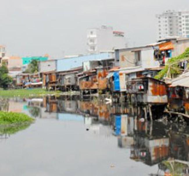 Tp. Hồ Chí Minh: Di dời các hộ dân sống trên và ven kênh rạch thuộc địa bàn quận Bình Thạnh