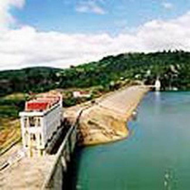 Vận hành 5 hồ chứa góp phần giảm lũ, phát điện