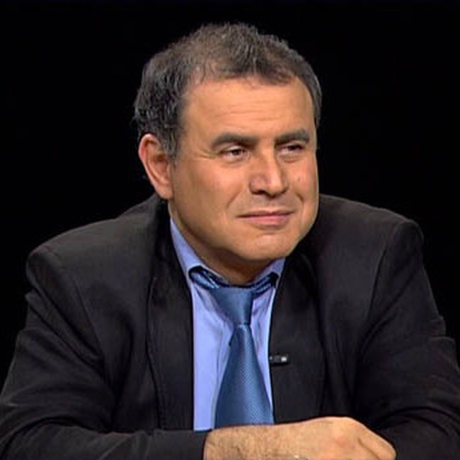 """Nouriel Roubini: Rủi ro """"quá lớn để sụp đổ"""" ngày một trầm trọng hơn"""