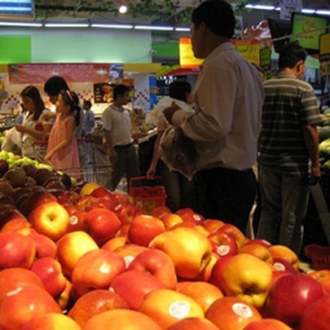 Nô nức mua thực phẩm dự trữ vì sợ tăng giá