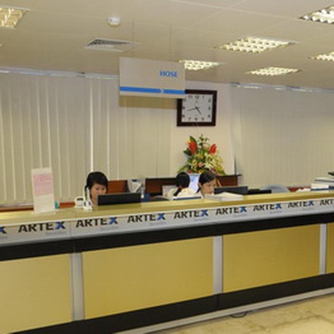 Chứng khoán Artex: Ông Trịnh Văn Quyết nhận chuyển nhượng 3,2 triệu CP