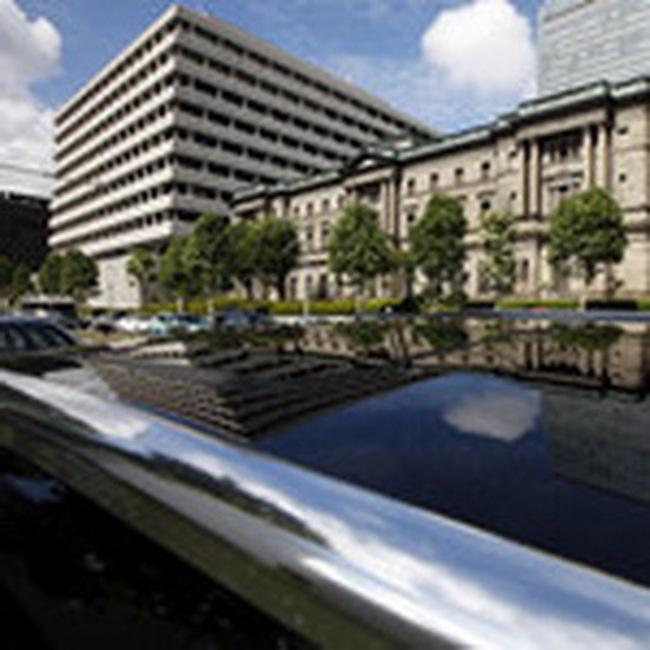 Nhật bất ngờ hạ lãi suất xuống 0%, tăng cường mua tài sản