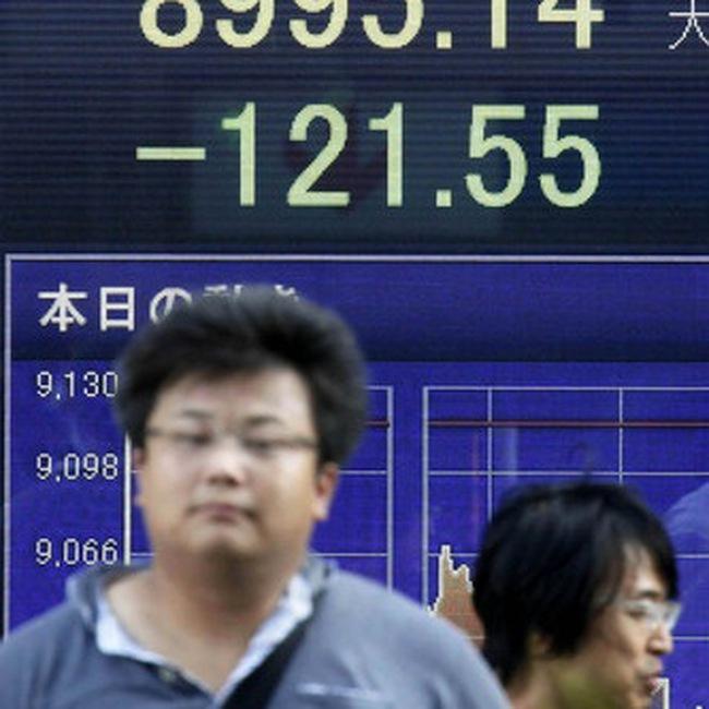 Các đồng tiền châu Á đồng loạt sụt giá