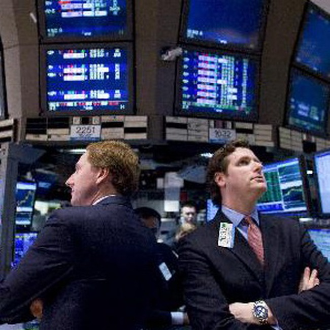 Giảm mạnh nhất trong 1 tháng, Dow Jones xuống 10.750 điểm