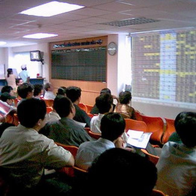 VN-Index tăng vọt lên 460 điểm