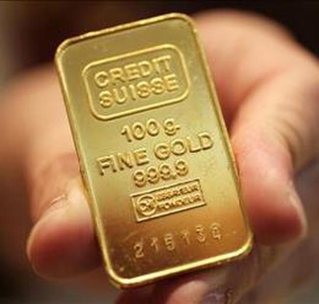 Áp lực chốt lời kéo giá vàng giảm mạnh