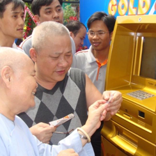 Đông Á  ra mắt ATM bán vàng miếng đầu tiên tại Việt Nam