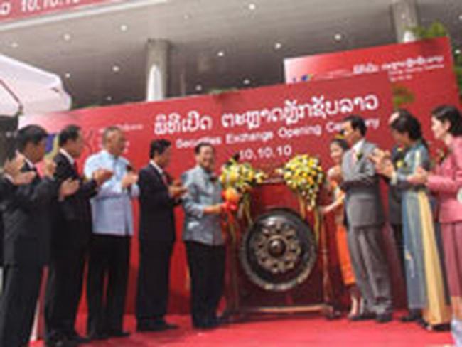 Sở giao dịch chứng khoán đầu tiên của Lào chính thức mở cửa