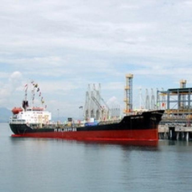 9/11 DN đầu mối NK xăng dầu tham gia tiêu thụ sản phẩm của NMLD Dung Quất