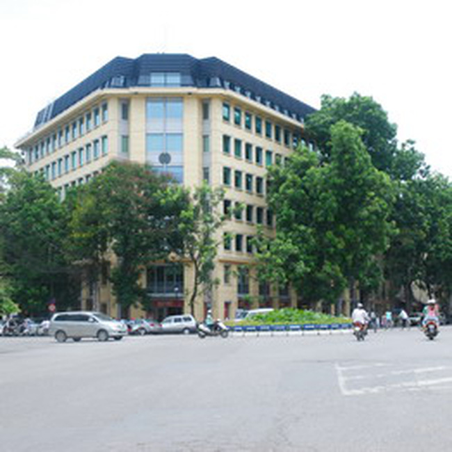 Giá thuê văn phòng Hà Nội quý 3/2010: CBRE nói tăng, Savills nói giảm