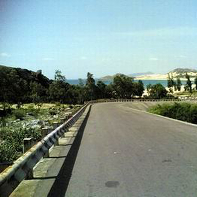 Mở rộng đường bộ ven biển Bình Định