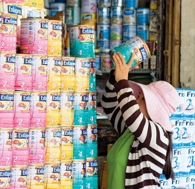 """Thị trường sữa sau khi áp dụng Thông tư 122: Ổn định sau """"dậy sóng"""""""