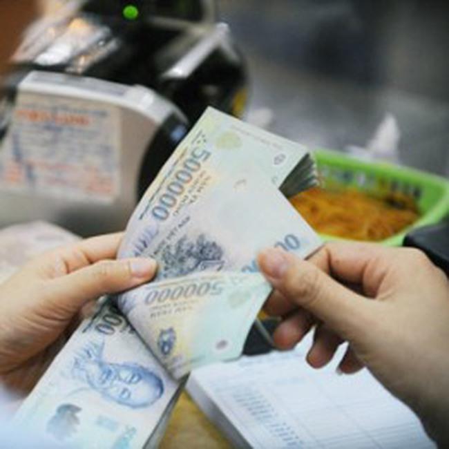 Ngân hàng rục rịch giảm lãi suất