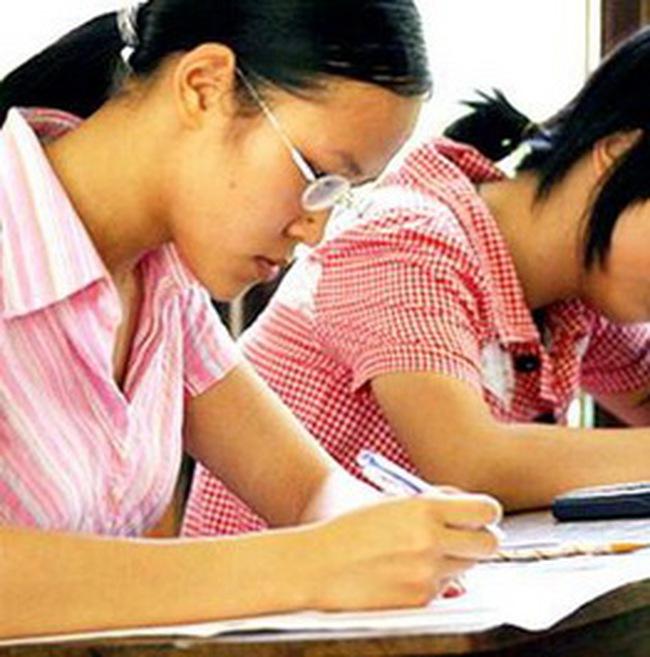 Không có chuyện dừng cho vay tín dụng học sinh sinh viên