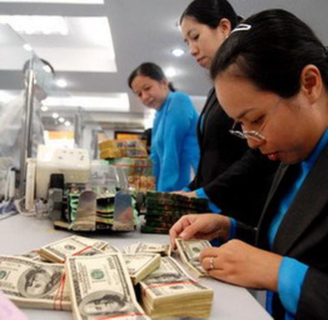 Vàng tăng 200.000 đồng/lượng, USD tự do vẫn giữ mốc 20.000 đồng