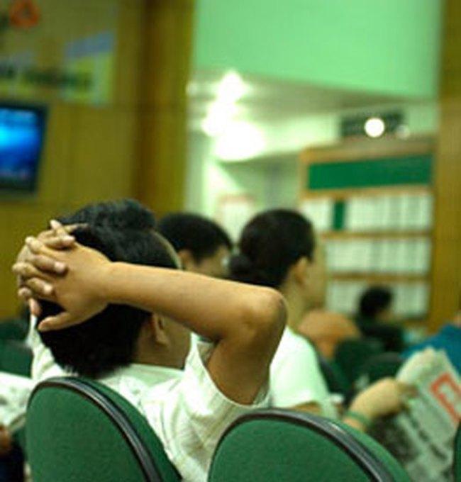 VN-Index giảm 12 điểm, xuống sát mốc 440 điểm