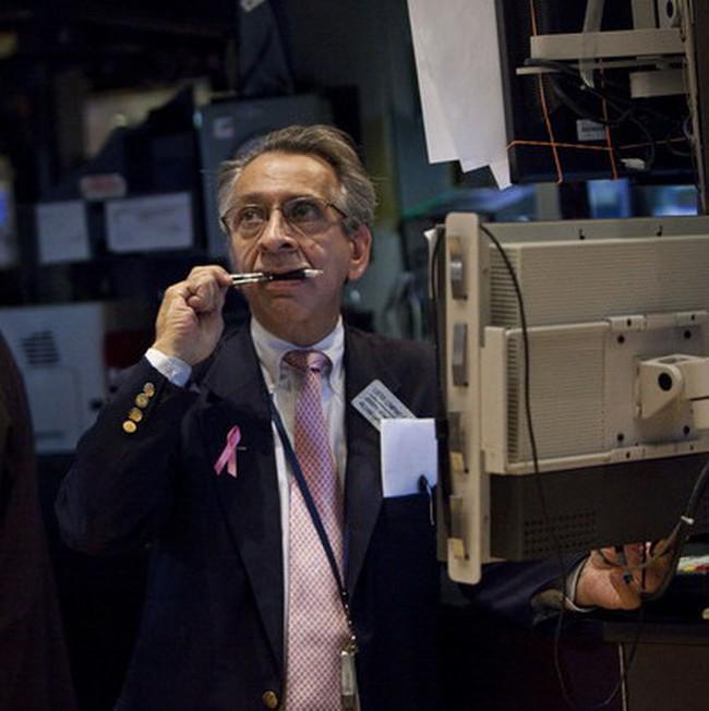 Tăng gần 130 điểm, Dow Jones vượt 11.100 điểm