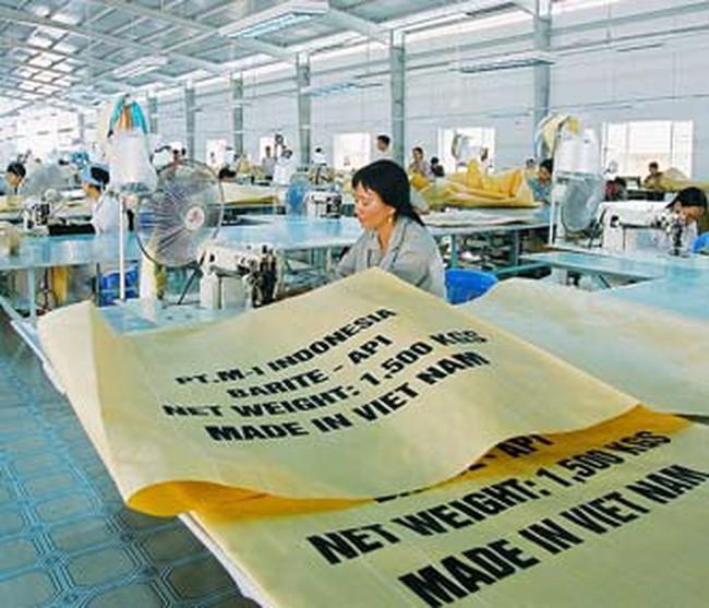 FDI tháng 10: Giải ngân bỏ xa hút vốn