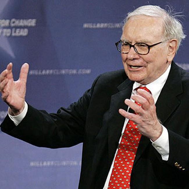 Tỷ phú Warren Buffett bất ngờ chọn 1 tài năng chưa tên tuổi lên kế vị