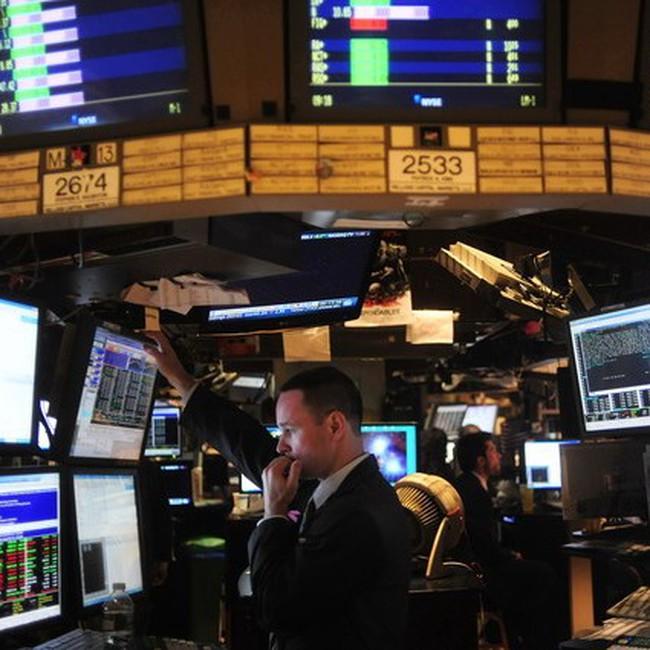 """Dow Jones tăng điểm trong """"chờ đợi"""""""
