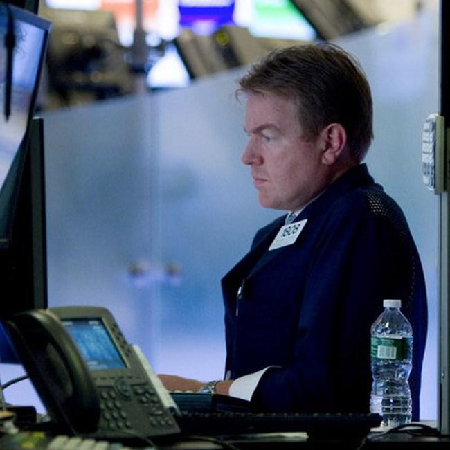 Dow Jones đi xuống cùng với kỳ vọng quy mô gói giải cứu