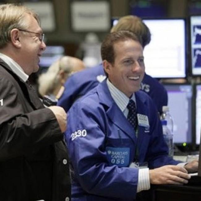 Dow Jones tăng hơn 280 điểm trong tháng 10/2010