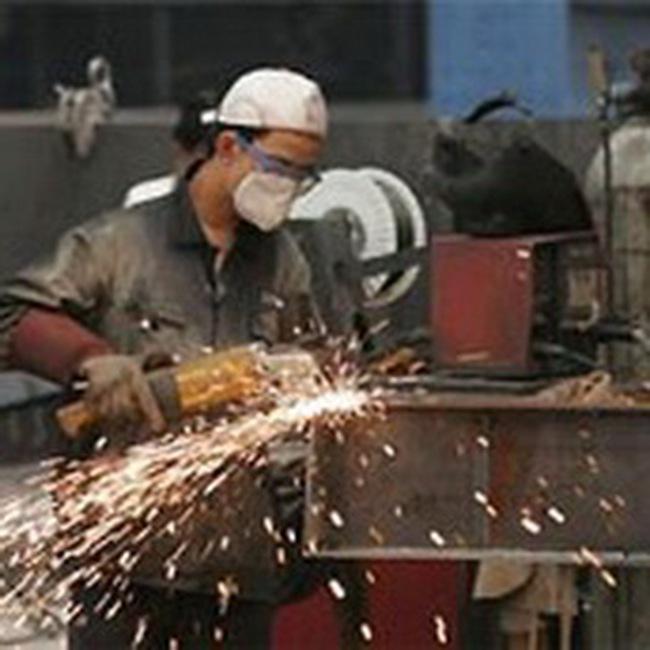"""Tồn kho """"hạ nhiệt"""", công nghiệp bật tăng trở lại"""
