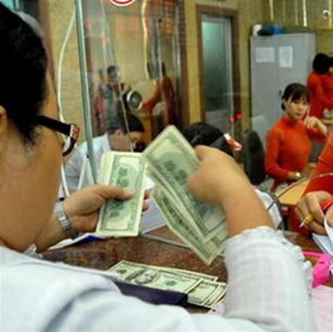 Vì sao USD lên 'cơn sốt' ?