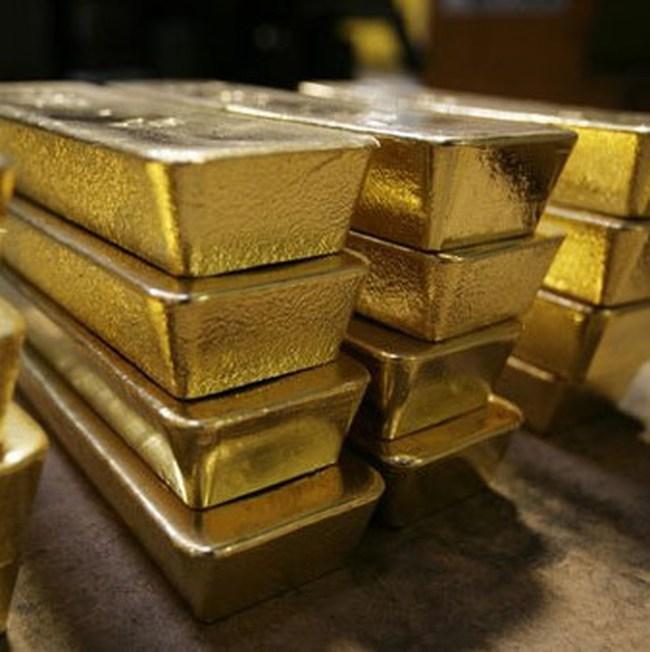 """Lãi suất huy động vàng không """"bình thản"""""""