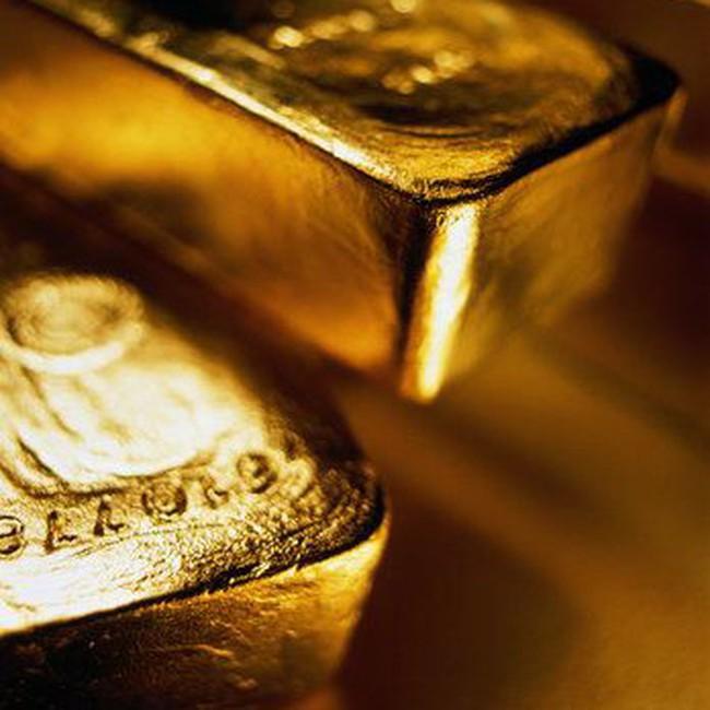 Giá vàng hạ sâu, dầu lên mức cao nhất trong 6 tháng