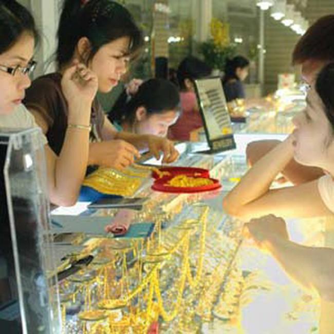 Giá vàng cuối ngày giao dịch trên 34,2 triệu đồng/lượng, đôla Mỹ xuống 20.800 đồng Việt Nam