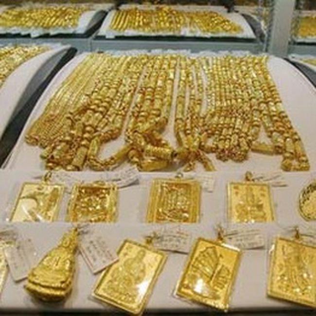 Quản lý huy động và cho vay vàng: Giảm bớt một nguồn cung tiền