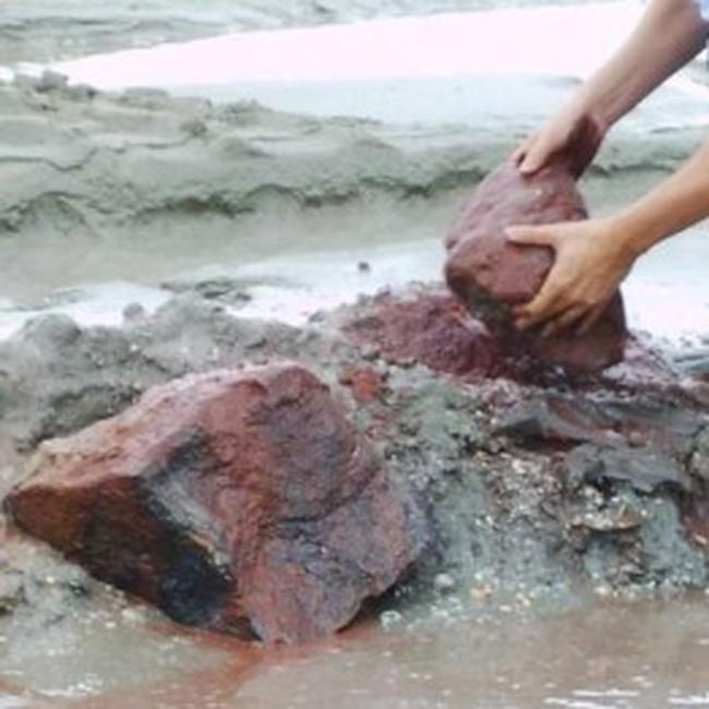 Kon Tum quản lý cấp phép khai thác điểm quặng sắt ở Sa Thầy