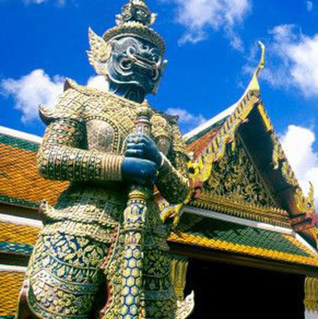 """Kinh tế Thái Lan lên như """"diều gặp gió"""" bất chấp đồng bath mạnh"""