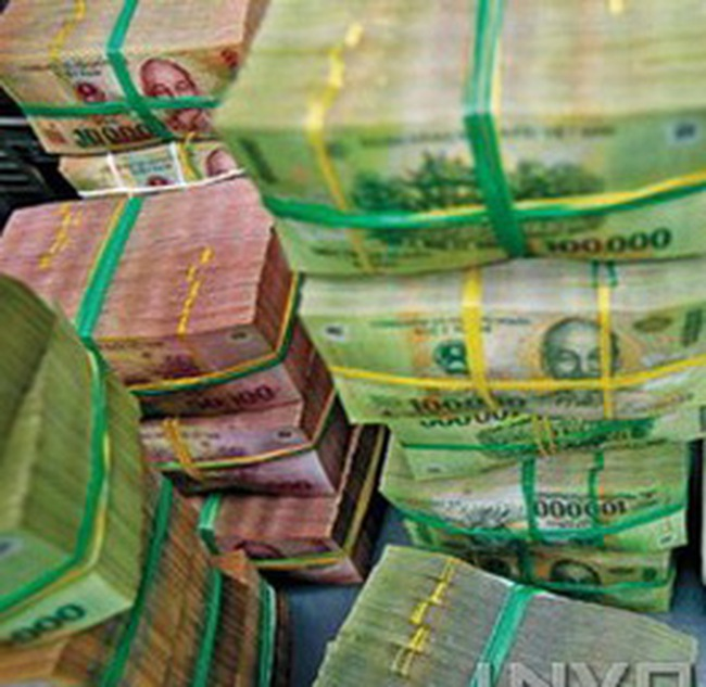 Đề xuất đưa mức đồng thuận lãi suất tiết kiệm VND lên 12%/năm