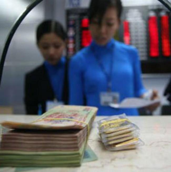 Để lạm phát dưới 10%: Tín hiệu thắt chặt tiền tệ